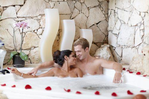 Desire Riviera Maya Pearl Resort | Jacuzzi