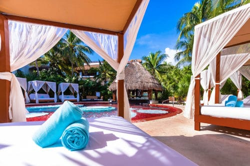 Desire Pearl   Jacuzzi Lounge Beds