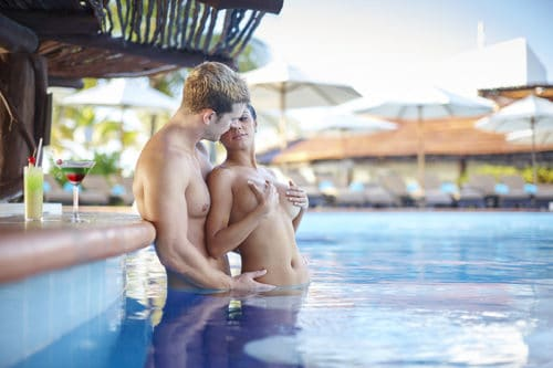 Desire Pearl | Pool Couple