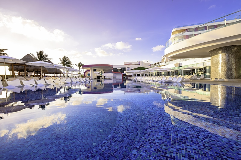 Piscina magnifica del Temptation Cancun Resort